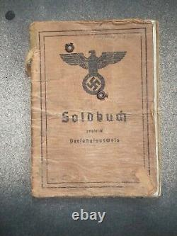 Soldbuch. Papiers D'identité Originaux De Soldats Allemands Ww2