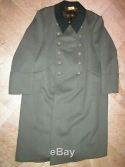 Ww2 Originale Allemande Heer Officier De L'armée Dans Un Grand Manteau Difficile De Trouver De Grande Taille